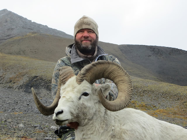 Jeff Porter with his Alaska Dall Sheep and Deltana Outfitters