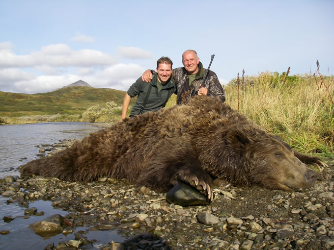 Luduk Liska Deltana Bear Hunt